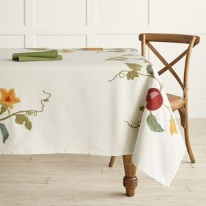 """Williams Sonoma Embroidered Tablecloth 70x108"""" NWT"""